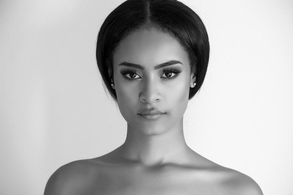 Profile Picture of Ellie Simone  Kaivanfar