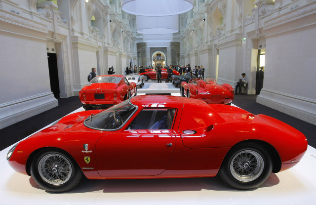 Ferrari to unveil new fashion range