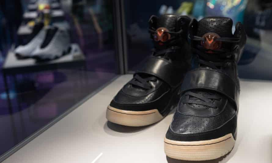 Kanye West Nike Sneakers smash records